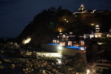ランプの宿の露天風呂から見える夜景