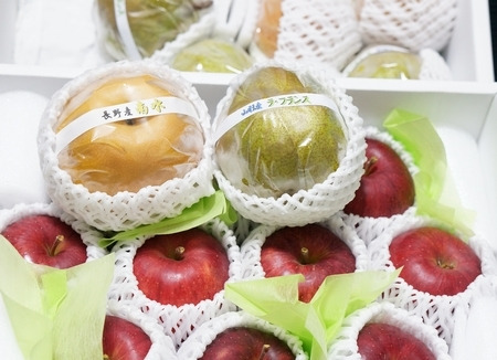 アオイ農園のラフランス、りんご