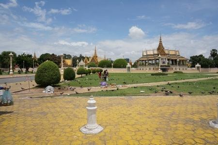 カンボジア王宮の広場