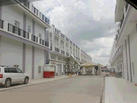 プノンペン近郊の開発中の住宅街
