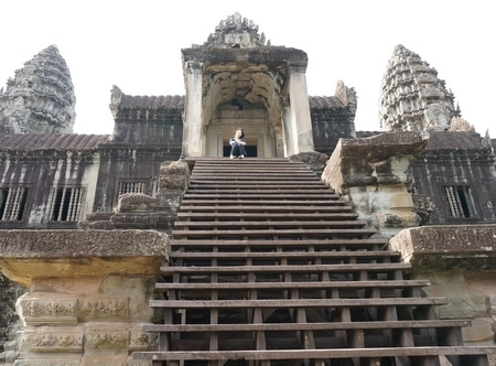 アンコールワットの巨大な神殿