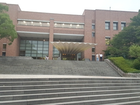 関大の図書館