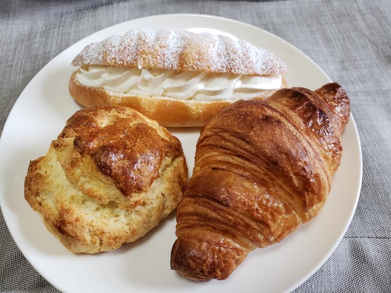 オーサムベーカリーで購入したパン