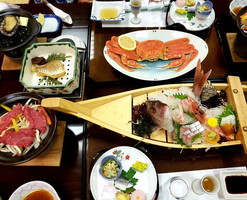 福井県あわら温泉の旅館夕食