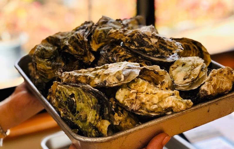 牡蛎小屋の焼き牡蠣