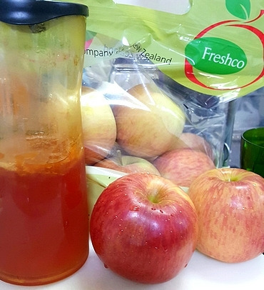 リンゴとフルーツ酵素スムージー